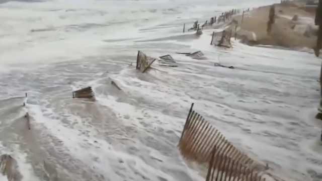 飓风佛罗伦斯逼近,降水可达数英尺