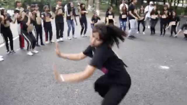 狂欢载舞!泰国留学生迎接大一新生