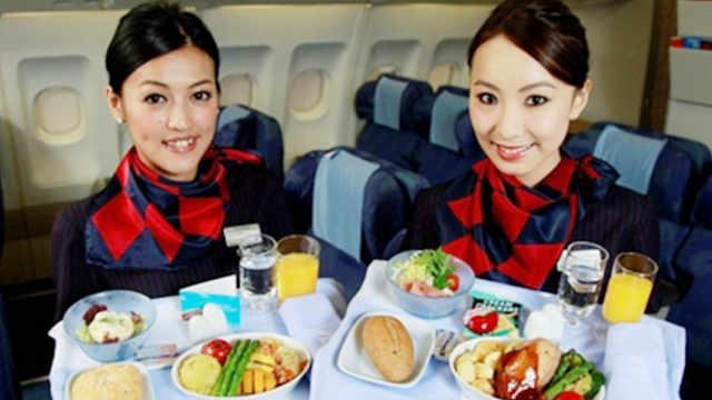 为什么很多空姐从不吃飞机餐?