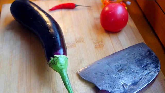 做法简单的茄子西红柿,比吃肉香!