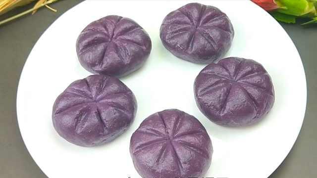 紫薯饼的做法,看着诱人,吃着过瘾
