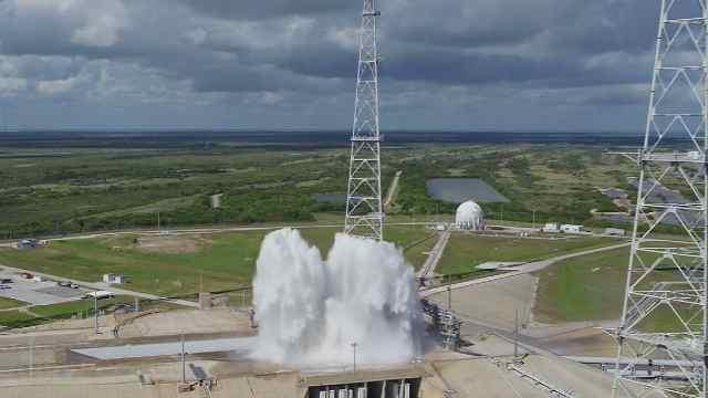 测试火箭发射台喷水系统