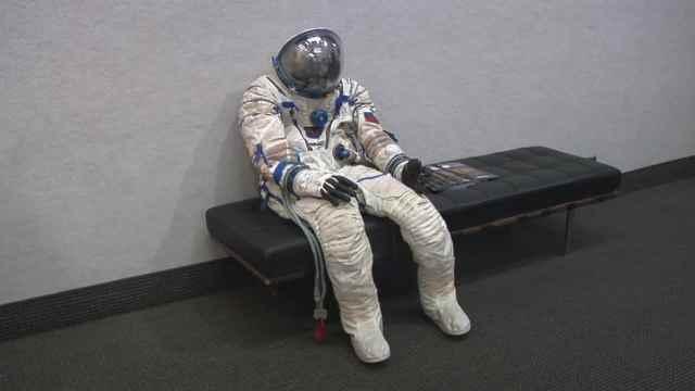 首位登月的阿姆斯特朗:遗物首拍卖