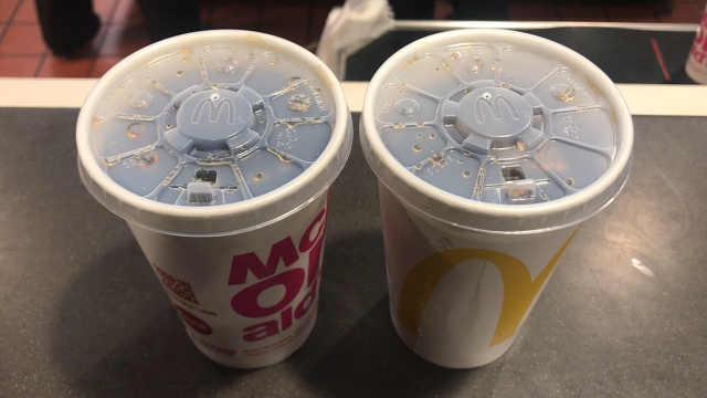 干杯吧!麦当劳不再主动提供吸管了