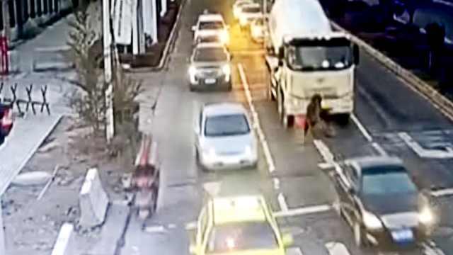 男子骑电动车横穿马路,被碾轧身亡