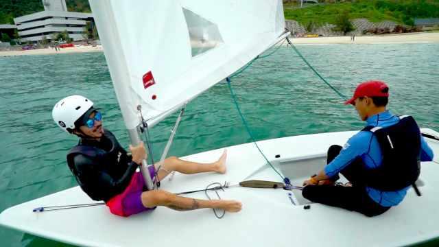 如何在大海风浪中直线行驶帆船?