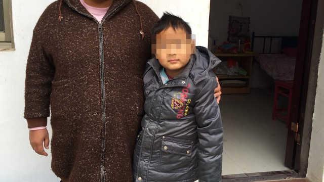 8岁儿子患白血病,父亲却拒绝治疗