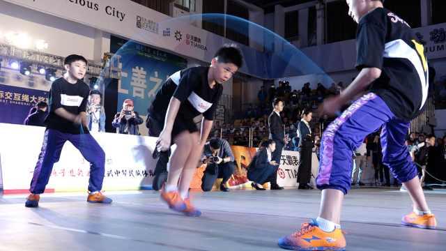 1秒跳绳9次!中国少年再破世界纪录
