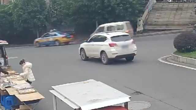 越野车无人驾驶1公里:撞3车1人死亡