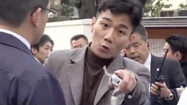 男子抢劫被捕反质问媒体:凭啥拍我