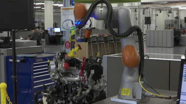 福特公布全新制造中心,AR+VR全用上