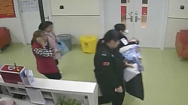 1岁男童吃板栗,被卡气管险丧命