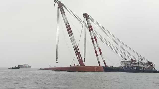 东莞水域一货船沉没,已成功救起8人
