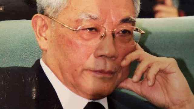 翻译家张玉书逝世,曾译海涅茨威格