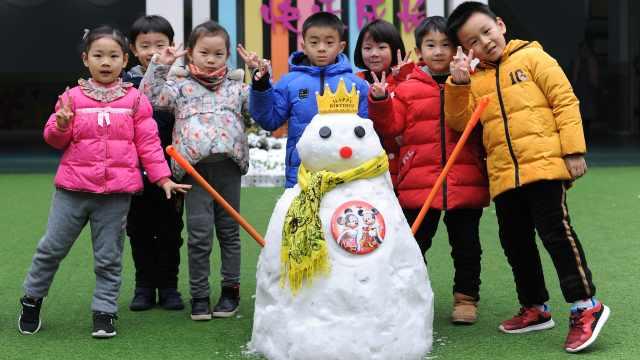 幼师堆1米高雪人,学生赞有鼻有眼