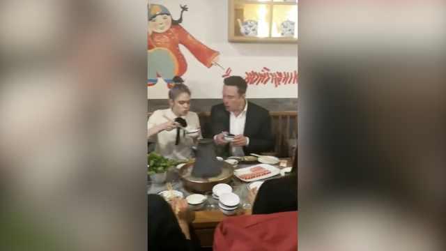 马斯克北京吃涮羊肉,店老板不识