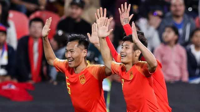 三球完胜菲律宾!国足提前小组出线