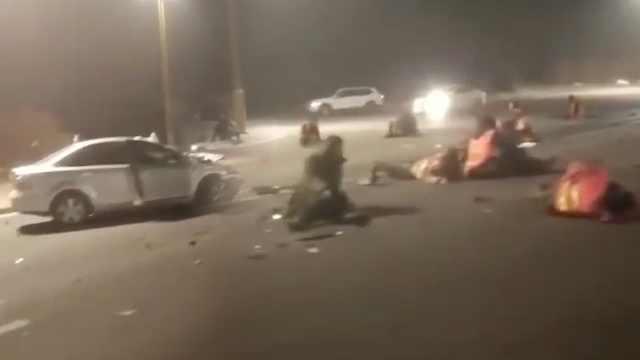 廊坊小客车与小货车相撞,致1死20伤