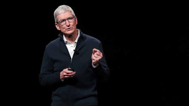 库克承认iPhone定价高,将降低售价