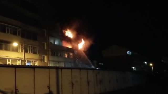 居民楼燃气泄漏引大火,致8死3伤