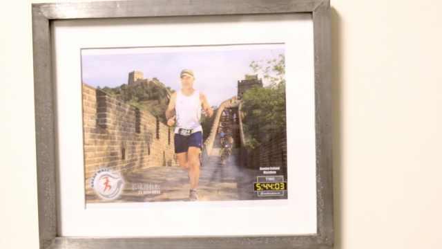 他来长城跑过马拉松,惊叹中国发展