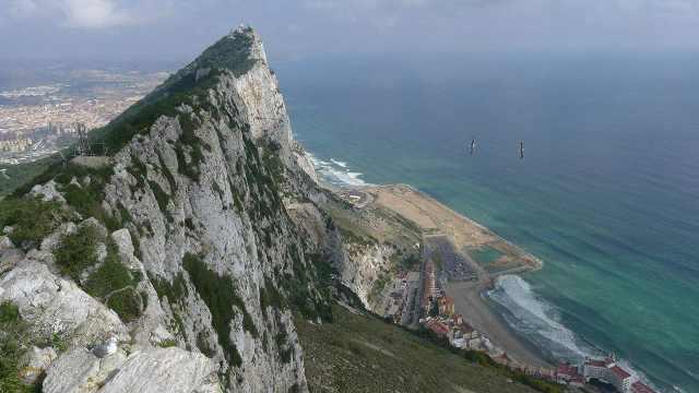 西班牙南端的直布罗陀,为啥属英国