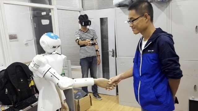 人机合一!学霸发明机器人,可VR操控