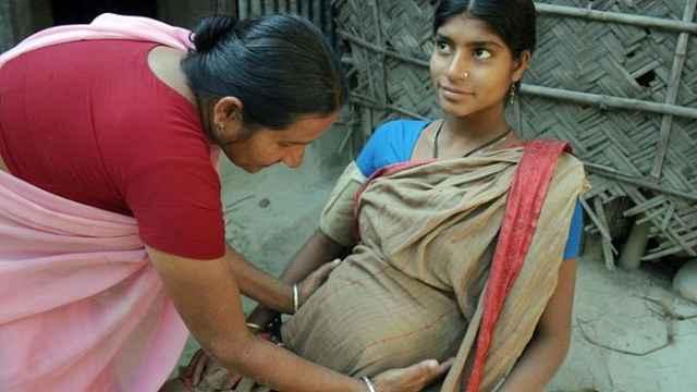 印度妇女:为走出贫困我出租了子宫