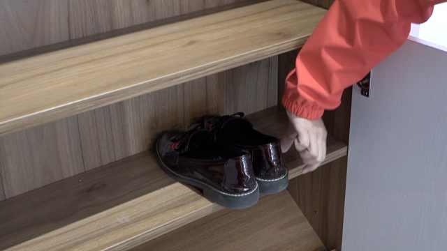 定制鞋柜竟放不下鞋,欧派:横着放