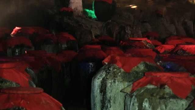贵州镇远洞藏十年以上好酒享誉世界
