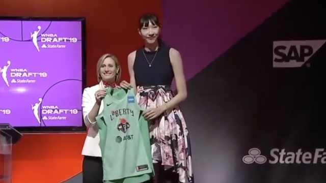 骄傲!19岁小将14顺位被WNBA选中