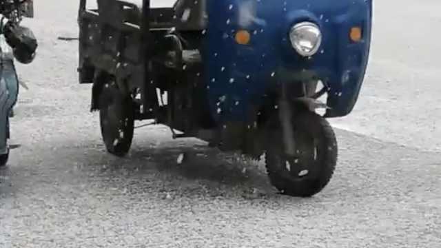 冰雹4月袭甘肃,噼啪作响打得人疼