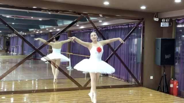 68岁患癌奶奶学芭蕾,跳上央视舞台