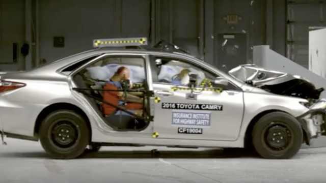 美研究:汽车后座可能比前座更危险