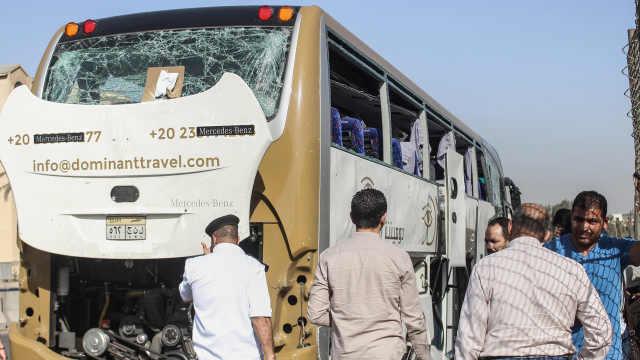 埃及金字塔附近大巴爆炸,已致17伤