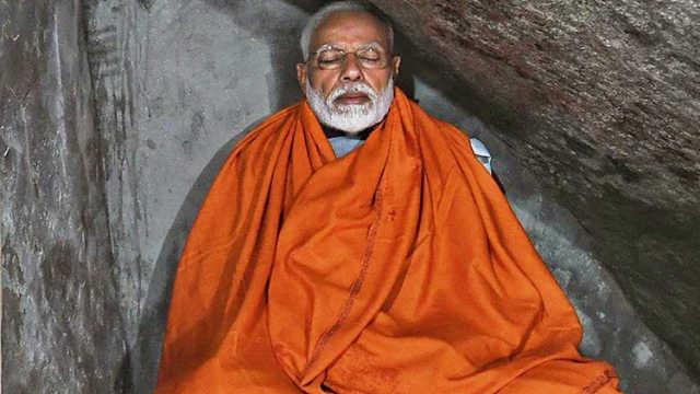 印总理喜马拉雅山山洞冥想被批摆拍