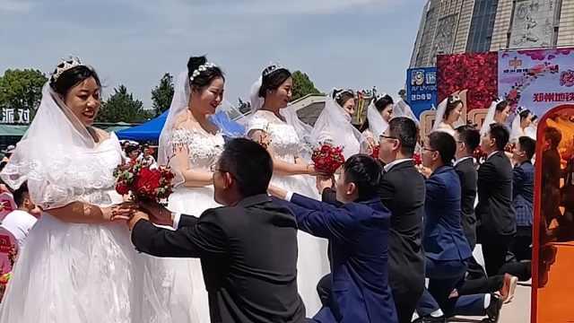 """史上""""最牛""""婚车办婚礼"""