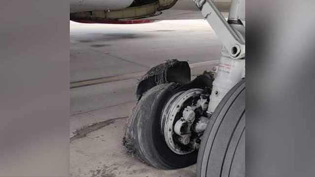 惊险!印客机轮胎爆裂被迫紧急降落