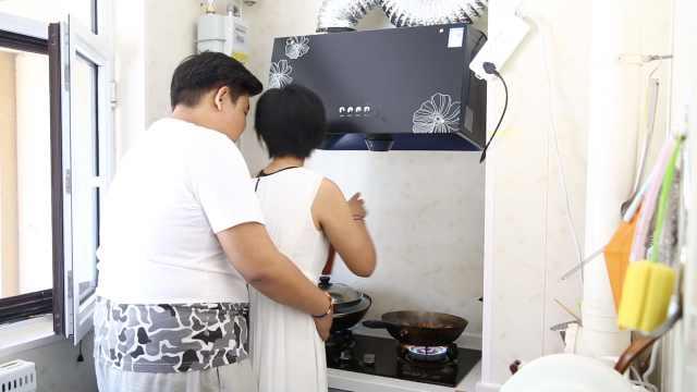 女友做饭太好吃,琴行改成美食馆