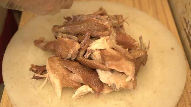 传承116年地道烧鸡,每天销售300只