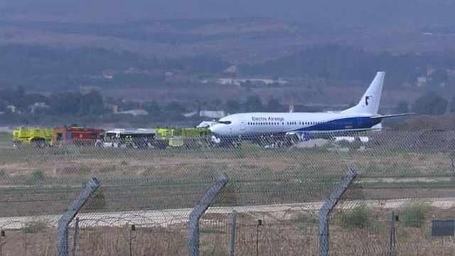 波音737起飞时爆胎,迫降以色列
