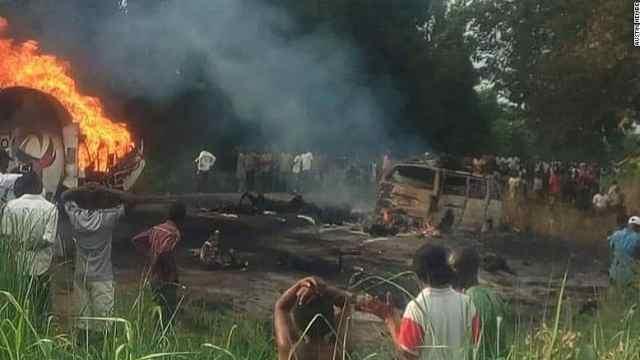 尼日利亚油罐车爆炸,死伤逾百人