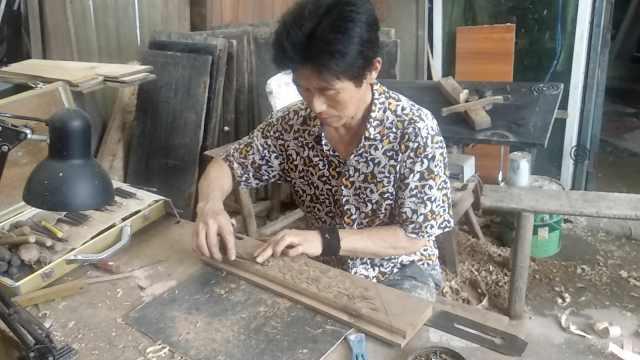 木匠修复上万件古家具,不用一颗钉