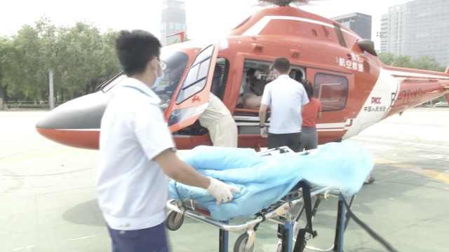 男孩车祸脑出血,直升机空中驰援