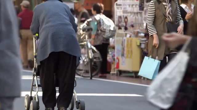 日本老年家庭為養老存了多少錢?