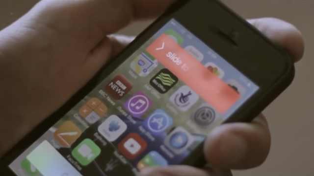 每天玩手机超5小时增加肥胖风险
