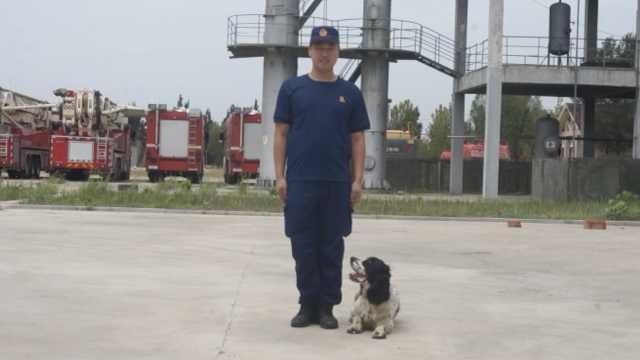 他和搜救犬相伴10年,曾奋战汶川
