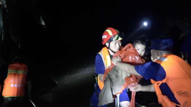 湖北鹤峰山洪致9人死亡,4人仍失联