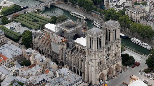 石块掉落!巴黎圣母院仍有坍塌风险
