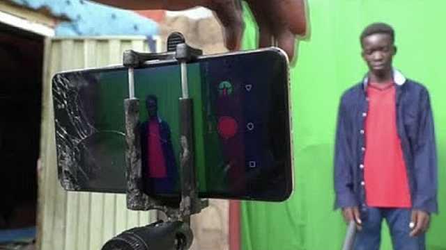 这群非洲青年手机拍出20部科幻电影